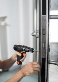 commercial locksmith in east london